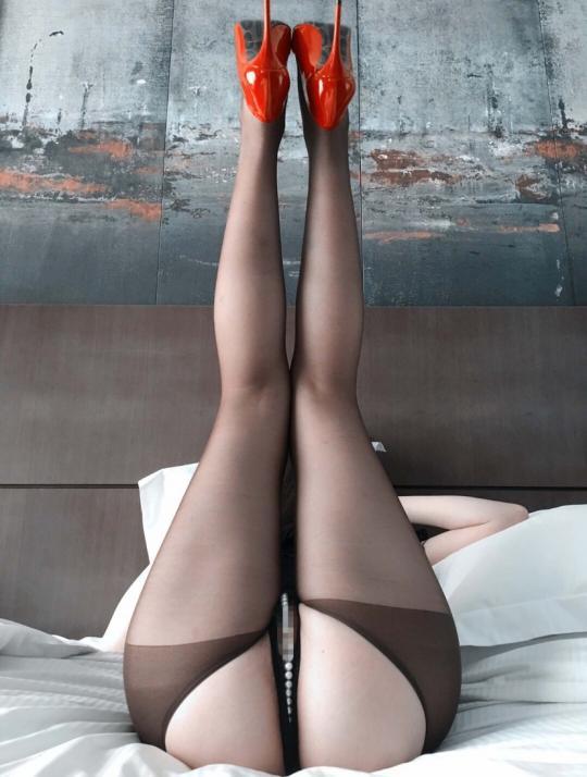 这大长腿 小丝袜 带劲不
